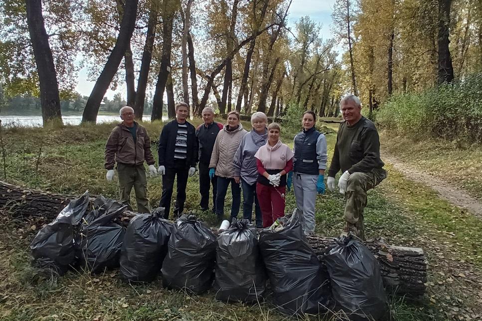 Минусинскую протоку Енисея очистили от кубометров мусора